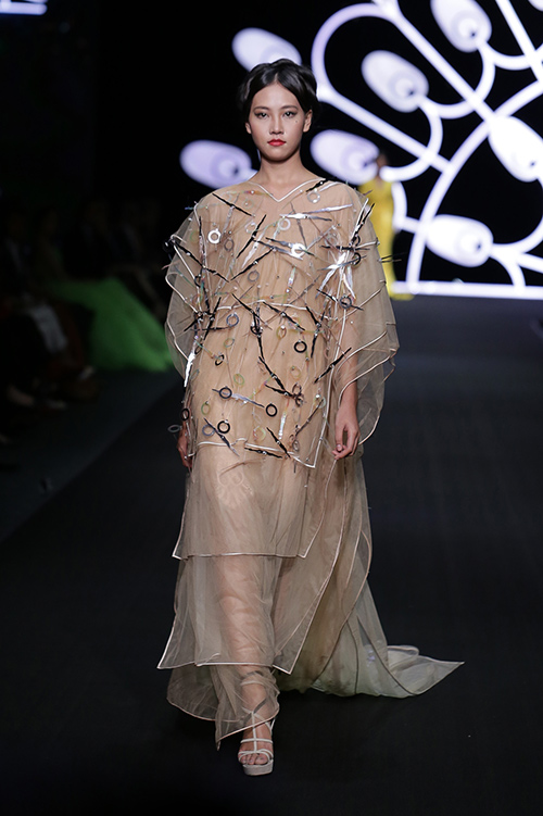 lynk fashion show mang ve dep phap den viet nam - 16