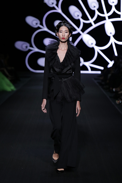 lynk fashion show mang ve dep phap den viet nam - 12