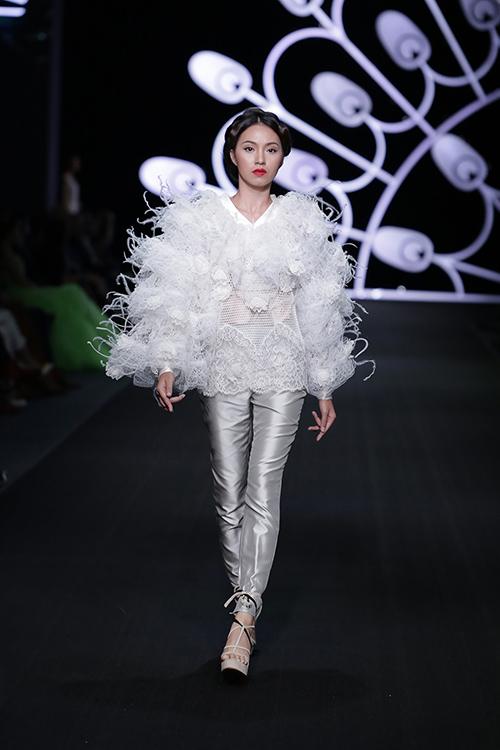lynk fashion show mang ve dep phap den viet nam - 6