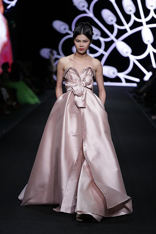 lynk fashion show mang ve dep phap den viet nam - 5