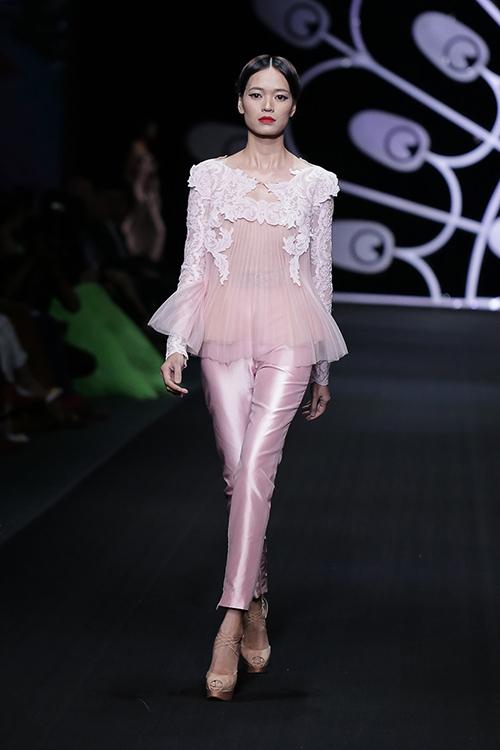 lynk fashion show mang ve dep phap den viet nam - 4
