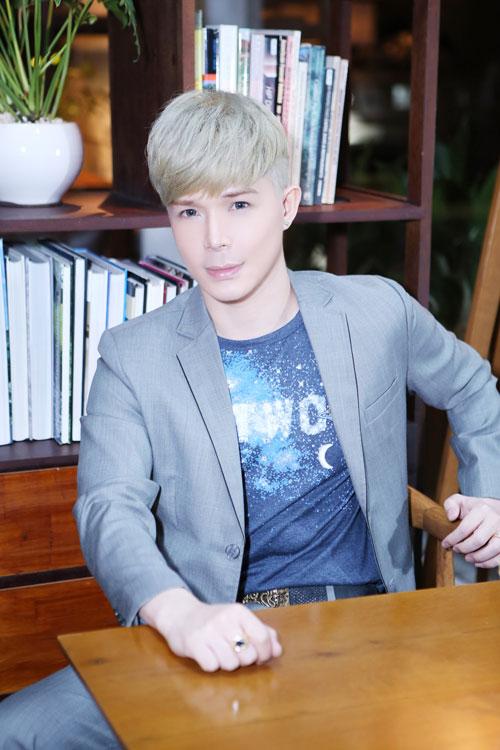 """nathan lee """"cua sung"""" voi toc bach kim - 1"""