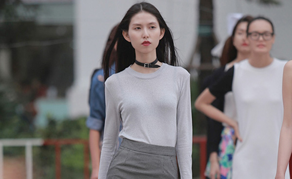 sao viet chay theo con sot vong choker sang chanh - 13