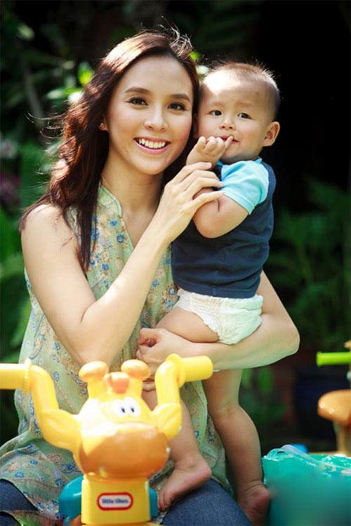 my nhan viet hanh phuc ben chong gap doi tuoi - 3