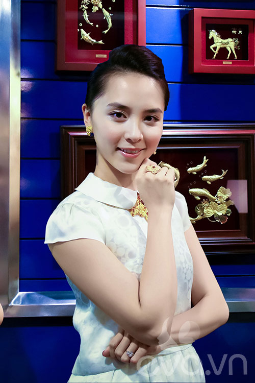 my nhan viet hanh phuc ben chong gap doi tuoi - 1