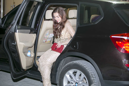"ngoc anh xinh dep ""cuoi"" xe tien ty lam giam khao - 3"