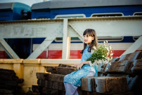 be gai ha noi dep mong manh trong mua cuc hoa mi - 9