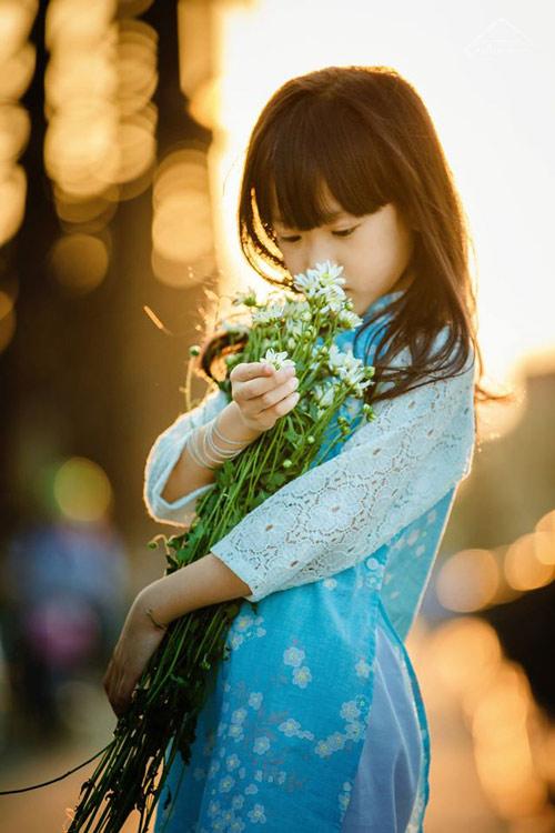 be gai ha noi dep mong manh trong mua cuc hoa mi - 12
