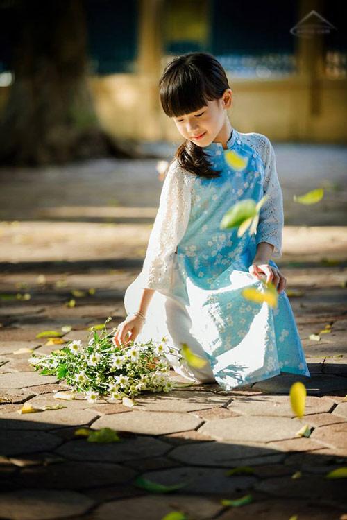 be gai ha noi dep mong manh trong mua cuc hoa mi - 5