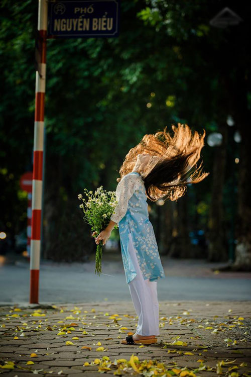 be gai ha noi dep mong manh trong mua cuc hoa mi - 8