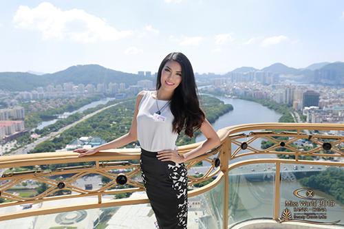lan khue co kha nang lot vao top 6 miss world - 1