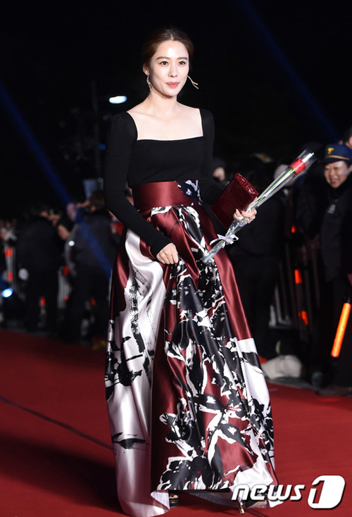 """trai dep ngoai hanh tinh"" kim soo hyun lai gianh daesang - 6"