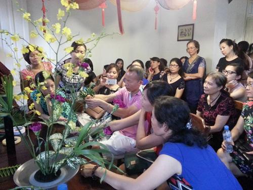 nghiep hoa 10 nam cua nguoi dan ong viet tren dat phap - 3