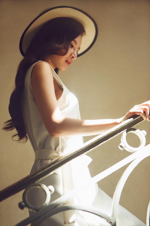 """angela phuong trinh goi cam """"kho cuong"""" khi ho bao - 4"""