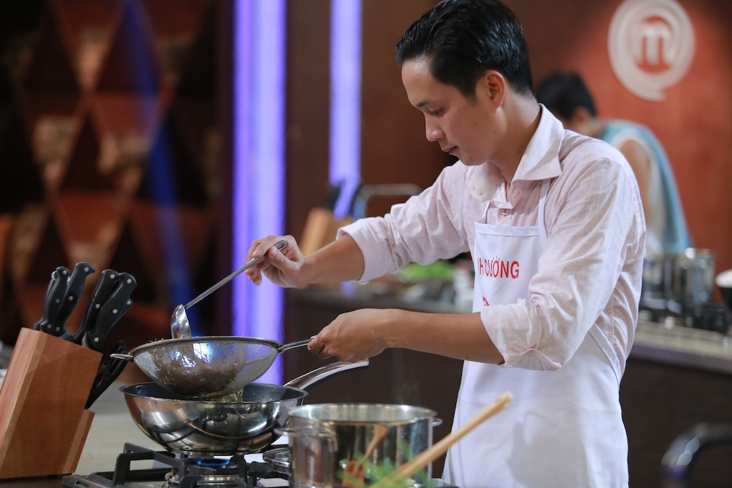 nghi van thi sinh top 3 masterchef vn la dau bep chuyen nghiep? - 1