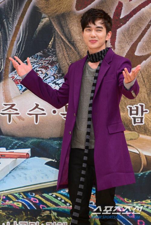 yoo seung ho dien trai, chung chac ben dan chi - 2