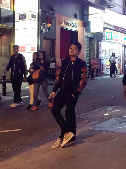 """vo chong tra my idol """"tron con"""" di du hi hong kong - 5"""