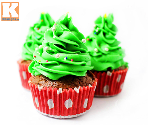 tu lam banh cupcake cay thong noel dep mat - 7