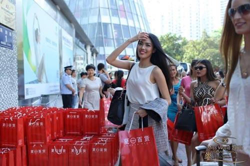 ngam nhan sac cua lan khue tai miss world 2015 - 6