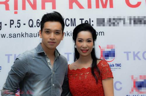 trinh kim chi phu nhan tin don bat man voi nsnd hong van - 4