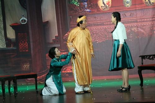 trinh kim chi phu nhan tin don bat man voi nsnd hong van - 9