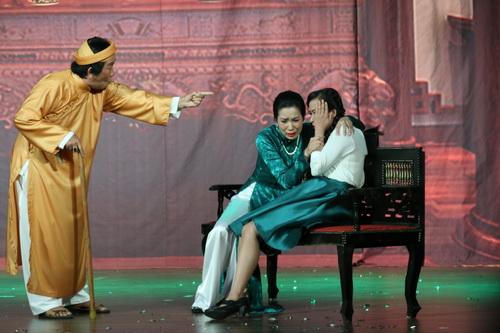 trinh kim chi phu nhan tin don bat man voi nsnd hong van - 10