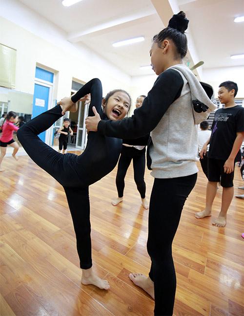 can canh qua trinh kho luyen mot lop dao tao vu cong nhi - 5