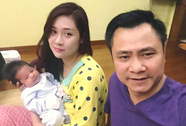 Nửa năm sau đám cưới lần hai, vợ chồng Tự Long đã đón chào thêm thành viên mới của tổ ấm. con gái Tự Longra đời vào lúc 8h52 phút, ngày 29/10. Cô bé nặng 3,4 kg.