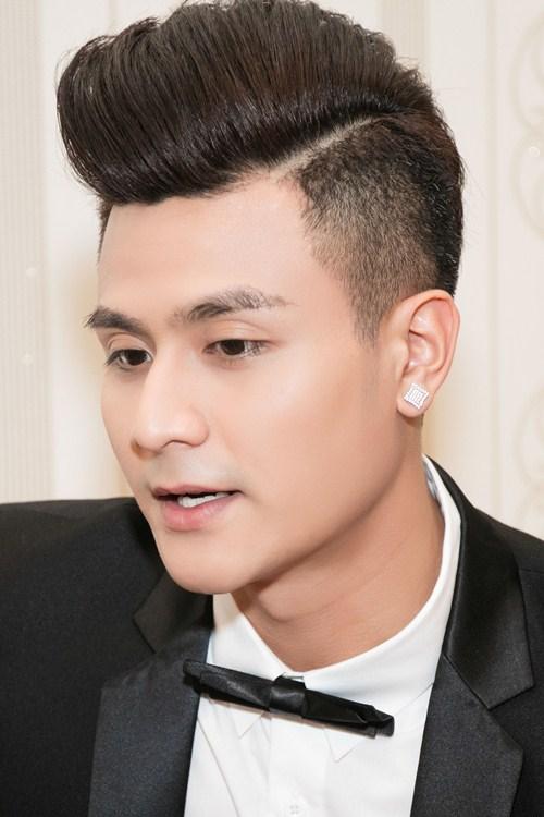 "vinh thuy cuon hut nhu ""nam than"" khi di lam giam khao - 6"