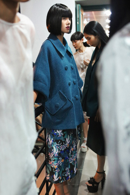 4 xu huong lam dep dang chu y tu vietnam designer fashion week - 4