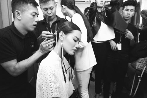4 xu huong lam dep dang chu y tu vietnam designer fashion week - 7
