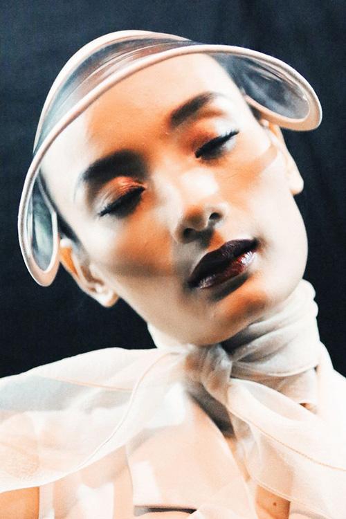 4 xu huong lam dep dang chu y tu vietnam designer fashion week - 3