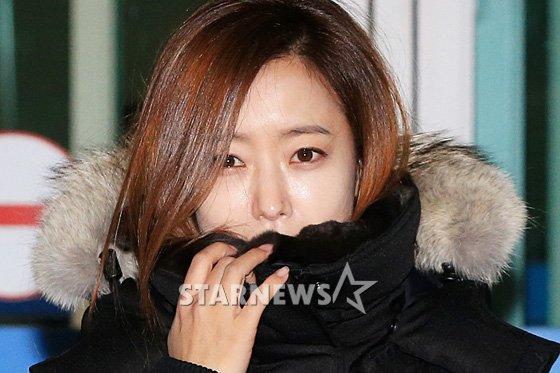 kim hee sun co ro trong gio lanh tai san bay - 5