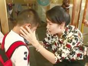 TV Show - Thanh Thảo Hugo dỗ dành cầu thủ nhí như con đẻ