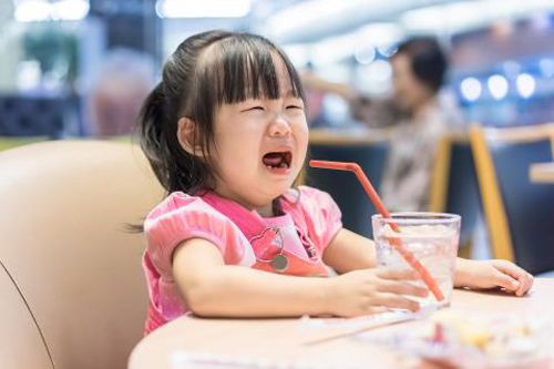 cach xu ly kheo khong can to tieng khi con 'an va' - 1