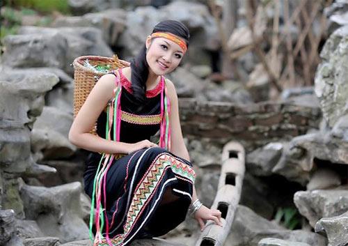4 my nhan ten ha: nguoi hanh phuc, ke lan dan tinh duyen - 4
