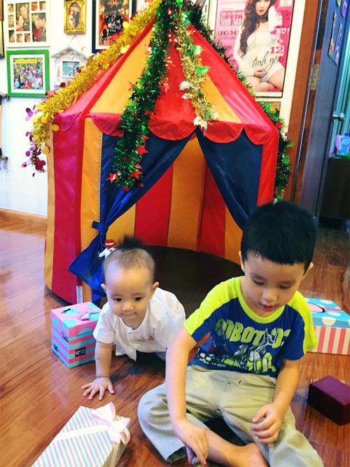 """me con oc thanh van hanh phuc ben """"cai chuong"""" cua minh - 1"""