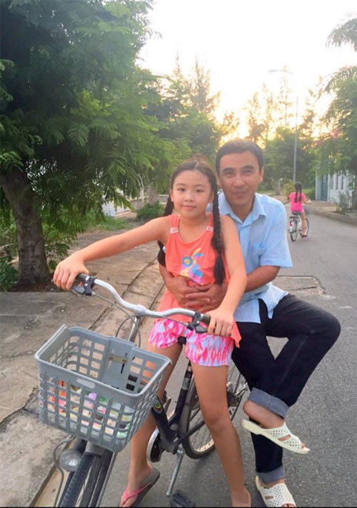 """me con oc thanh van hanh phuc ben """"cai chuong"""" cua minh - 6"""