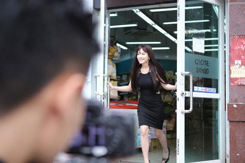 """hot girl linh miu thu suc voi sitcom nhieu """"canh nong"""" - 4"""