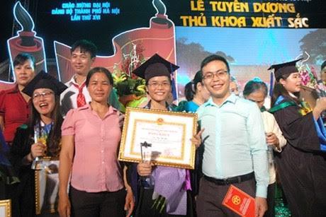 thu khoa va nhung cau chuyen on ao nam 2015 - 3