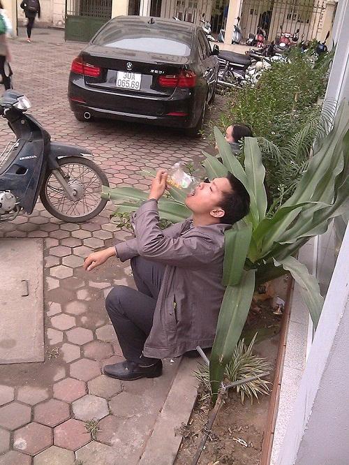 than tho om con, chau ngoi doi dang ky vac xin dich vu - 8
