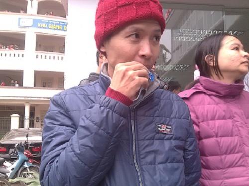 khoc meu chuyen xep hang van khong tiem duoc vac xin - 1