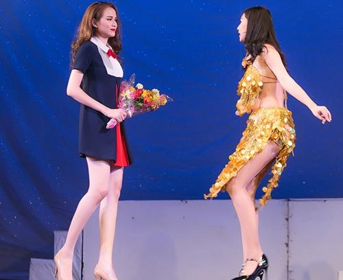 "hoa hau diem huong ""toat mo hoi"" khi dong hai kich - 5"