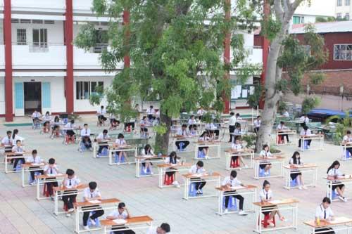 học sinh tháy thích cách tỏ chúc thi ỏ san truòng - 3