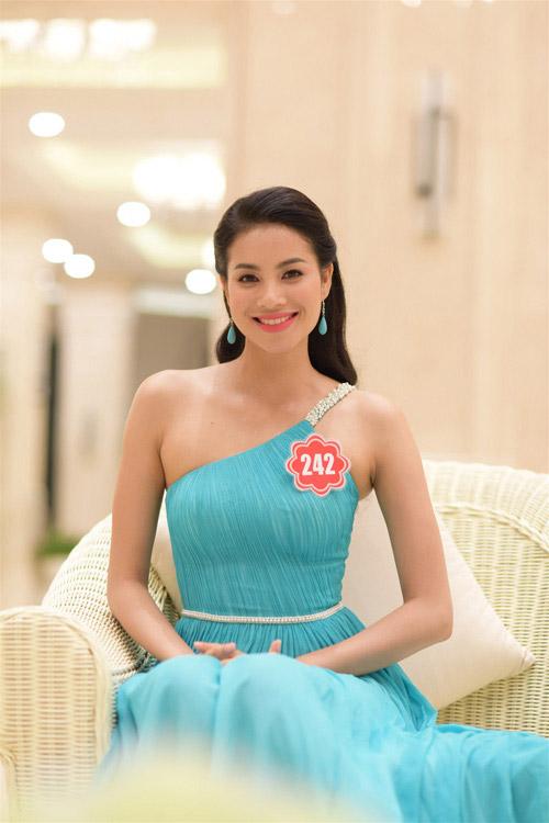 """nhan sac thi sinh """"duoc long"""" khan gia nhat hhvn 2014 - 7"""