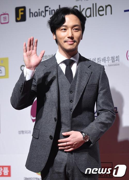 sau 12 nam o an, lee young ae tai xuat tai drama awards - 13