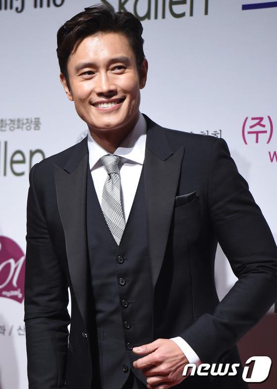 sau 12 nam o an, lee young ae tai xuat tai drama awards - 8
