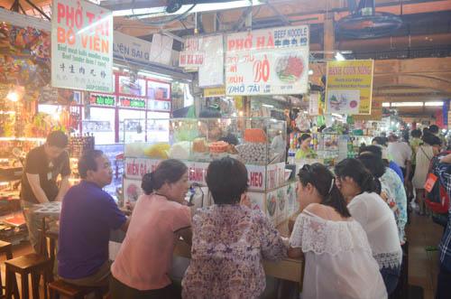 nguòi dan sài gòn táp nạp mua sam dip tet duong lich 2016 - 6
