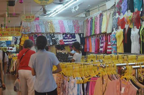 nguòi dan sài gòn táp nạp mua sam dip tet duong lich 2016 - 8