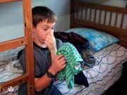 Nhà đẹp - Rèn bé cách tự dọn dẹp phòng ngủ chỉ trong 10 phút